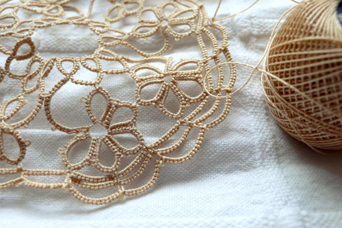Tatting and thread